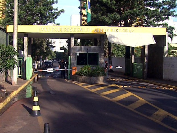 pedras para jardim em sorocaba:Moradores do Jardim das Pedras reclamam de ameaça de multa para
