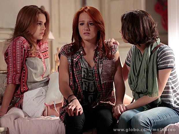 Giovana chora e se desespera com a possibilidade de Meg não chegar (Foto: Felipe Monteiro / TV Globo)