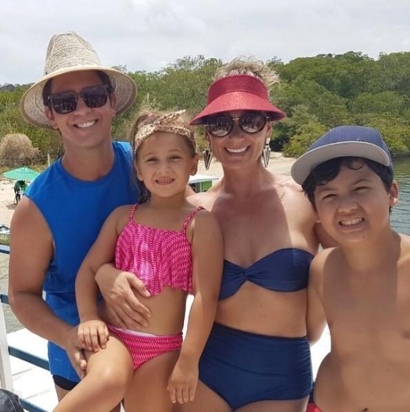 Mario Frias e sua família (Foto: Reprodução / Instagram)