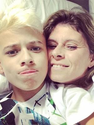 MC Pedrinho e a mãe, Analee Maia (Foto: Divulgação)