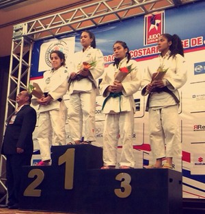 Judoca Vitória Andrade no topo do pódio em San Jose (Foto: Arquivo pessoal)