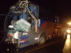 Acidente entre caminhão e ônibus deixa um morto e 14 feridos em SC