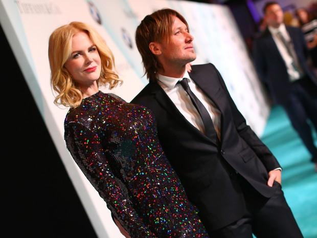 Nicole Kidman e o marido, Keith Urban, em premiação em Los Angeles, nos Estados Unidos (Foto: Mark Davis/ Getty Images/ AFP)