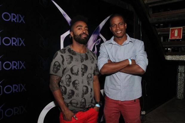 Ex-BBBs Douglas e Luan  (Foto: Thyago Andrade/Foto Rio News)