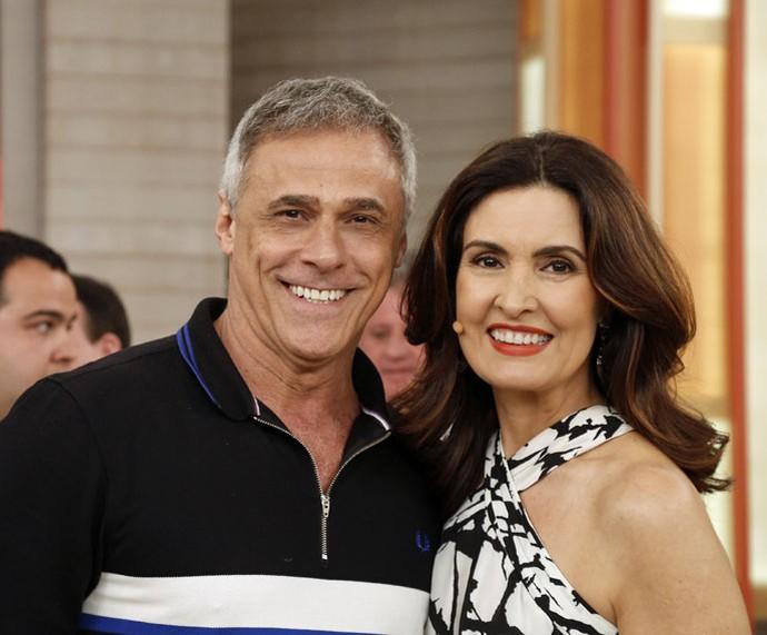 O ator Oscar Magrini com a Fátima depois do programa  (Foto: Raphael Dias/Gshow)