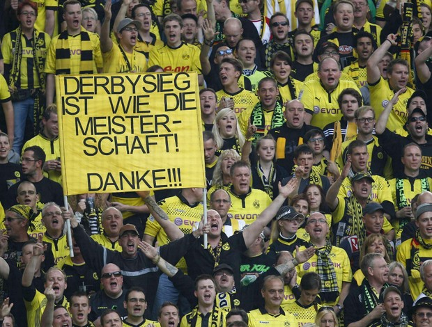 Torcida Borussia Dortmund Schalke (Foto: Reuters)