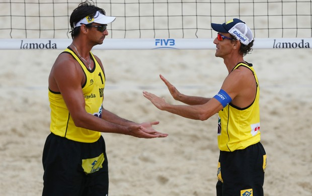Ricardo e Emanuel no Grand Slam de Moscou (Foto: Divulgação/FIVB)
