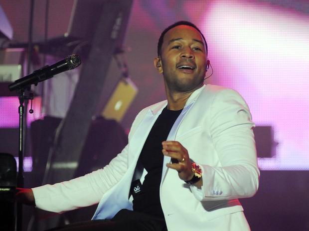 John Legend canta para o público do Palco Sunset (Foto: Alexandre Durão/G1)