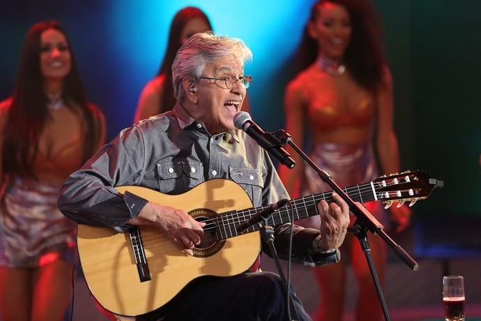 Caetano solta a voz no 'Domingão' (Foto: Carol Caminha/Gshow)