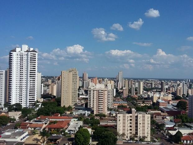 Céu na tarde desta segunda-feira (11) em Campo Grande (Foto: Josane Cruz/Arquivo pessoal)