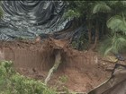 Casa onde mulher morreu soterrada é interditada pela Defesa Civil em Cajati