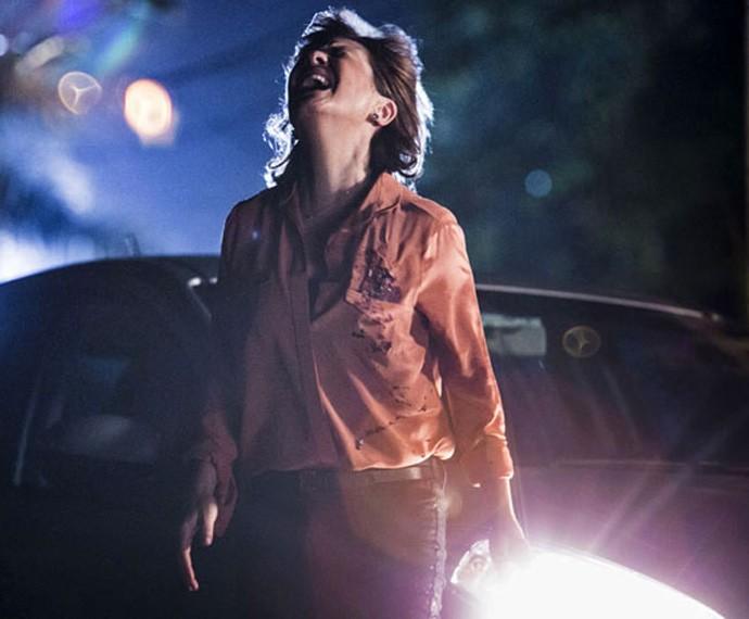 Inês foi vítima de Beatriz! Arquiteta atirou na advogada (Foto: Tv Globo)
