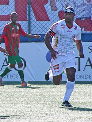 Viola marcou os gols do Taboão da Serra (Foto: Alberto Ferreira / Assessoria Portuguesa Santista)