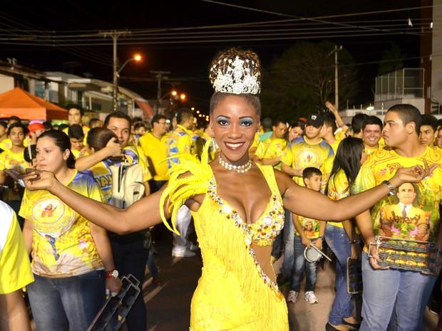 Piedade Videira, de 42 anos, rainha de bateria da Piratas da Batucada (Foto: John Pacheco/G1)