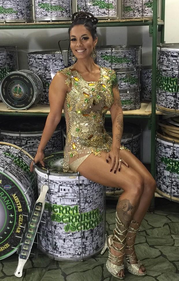 Milena Nogueira na quadra da Império Serrano, em Madureira, Zona Norte do  (Foto: Divulgação)
