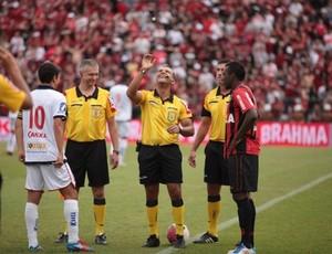 Edivaldo Elias da Silva, árbitro paranaense (Foto: Divulgação/Site oficial do Atlético-PR)