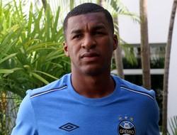 Erazo, zagueiro do Grêmio (Foto: Eduardo Moura)