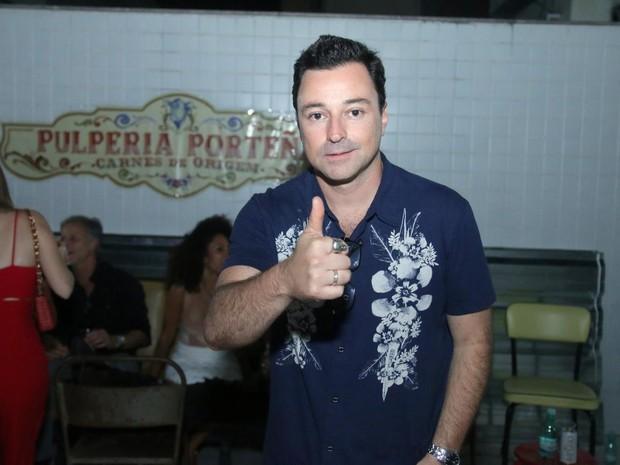 Emílio Orciollo Netto em festa na Zona Oeste do Rio (Foto: Daniel Pinheiro/ Ag. News)