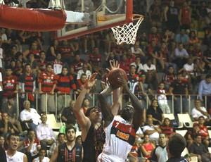 Kojo, NBB, Flamengo e Joinville (Foto: Thiago Lavinas / Globoesporte.com)