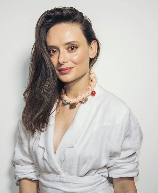 Nossa editora de beleza, Vânia Goy, ensina a conquistar uma pele com viço (Foto: Alex Batista)