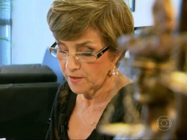 A ministra Delaíde Miranda Arantes, em seu gabinete no Tribunal Superior do Trabalho (Foto: TV Globo/Reprodução)