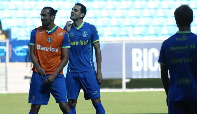 Barcos atuou na equipe reserva quando a imprensa teve acesso ao treino (Foto: Eduardo Deconto/GloboEsporte.com)