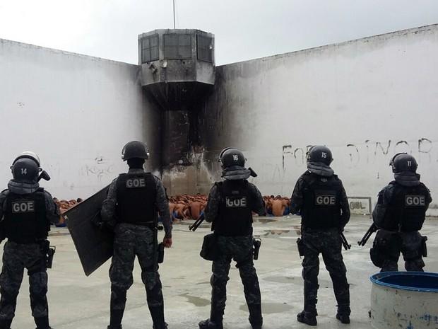 Intervenção foi realizada por agentes penitenciários da unidade com auxílio do GOE (Foto: Divulgação/ Sejuc)