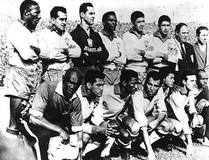 A seleção brasileira posa para foto antes de jogo da Copa do Mundo de 1962