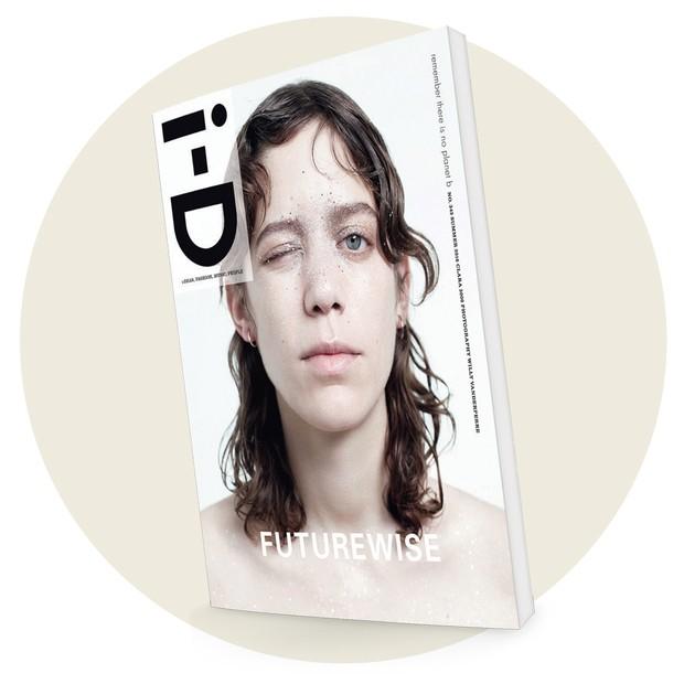 Na capa da edição de junho passado da revista britânica i-D (Foto: Reprodução/Divulgação)