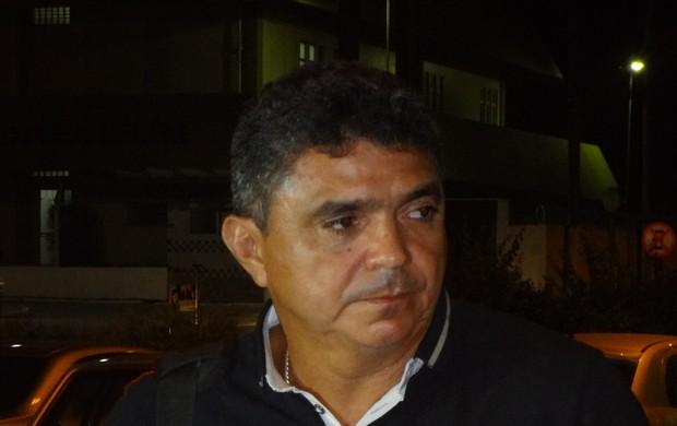 Flávio Araújo desembarcou em Belém nesta terça-feira (Foto: GLOBOESPORTE.COM)
