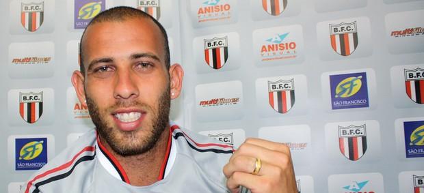 Rafael garante comportamento exemplar no Botafogo-SP (Foto: Cleber Akamine / globoesporte.com)
