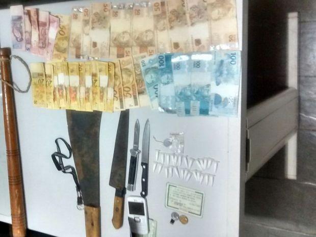 Jovem vendia drogas durante carnaval (Foto: Divulgação / Polícia Militar)