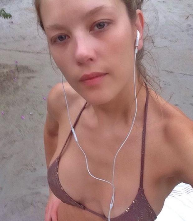 Gianne Albertoni sem maquiagem (Foto: Reprodução)