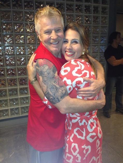 Andréia Faria, a Sorvetão, com Miguel Falabella nos bastidores de 'Pé na cova' (Foto: Arquivo pessoal)