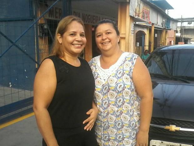 Zilda (de preto) e Michelle se apressaram para não perder votação (Foto: Ive Rylo/G1 AM)