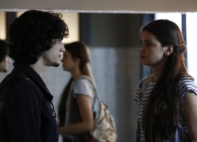 """Trilha """"Sentimental"""", da banda Los Hermanos, embalou o primeiro encontro de Angel e Guilherme (Foto: Inácio Moraes/ Gshow)"""