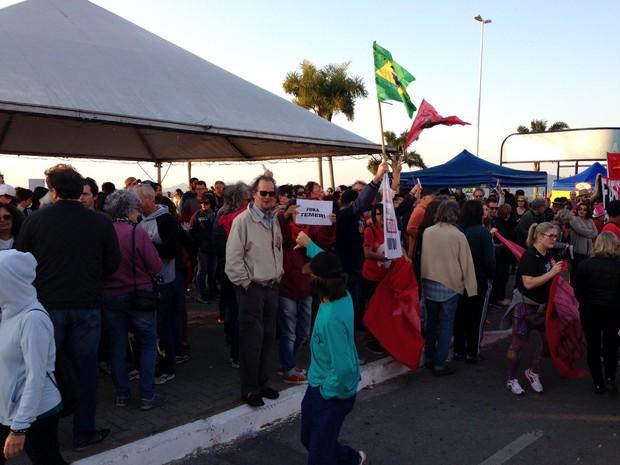 Florianópolis tem protesto neste domingo (31) contra presidente em exercício (Foto: Nicolas Quadro/CBN Diário)