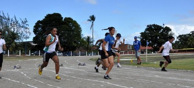 Delegação feminina de atletismo do Pernambuco nos Jogos Industriários do Sesi (Foto: Divulgação / Sesi)