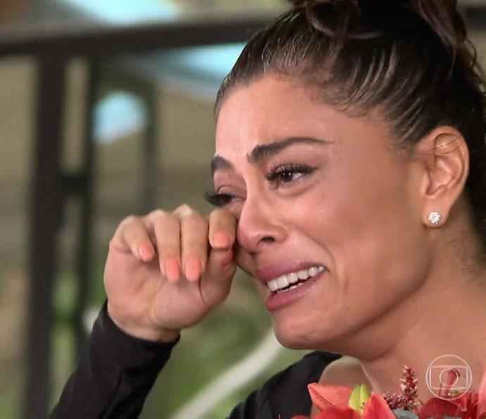 Juliana Paes se emociona com recado do marido (Foto: TV Globo)