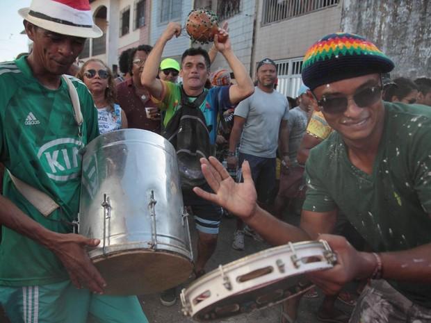 Bloco C de Asa desfila no Natal, na Madre Deus, em São Luís (Foto: Flora Dolores / O Estado)