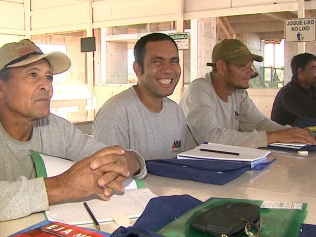 Com as aulas, pedreiros e serventes de Araraquara começaram a fazer planos para o futuro (Foto: Marlon Tavoni/EPTV)