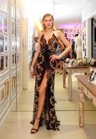 Famosas arrasam nos looks em evento de moda em São Paulo
