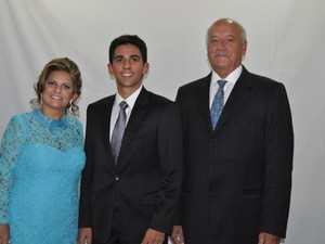 Juiz federal mais jovem do Brasil recebe a família no dia de sua posse (Foto: Roberta Rocha)