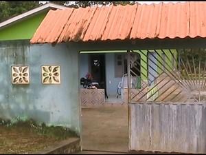 Casa invadida (Foto: Francisco Rocha/G1)