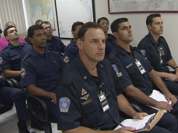 Marinha faz treinamento com Guarda Municipal de Santos e Praia Grande (Foto: Reprodução/TV Tribuna)