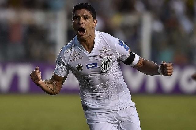Renato comemora gol na Vila Belmiro (Foto: Ivan Storti/Santos FC)