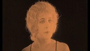 Imagem do primeiro filme de Hitchcock, 'The Pleasure Garden'  (Foto: BBC)