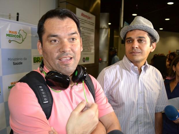 Médico Boliviano escolheu o Brasil devido a dificuldades econômicas na Europa (Foto: André Teixeira/G1)