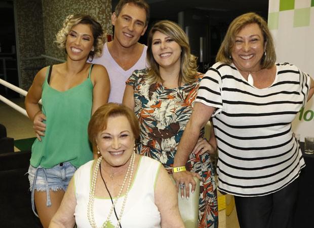 Nicette Bruno e família (Foto: Marcelo Spatafora/QUEM)