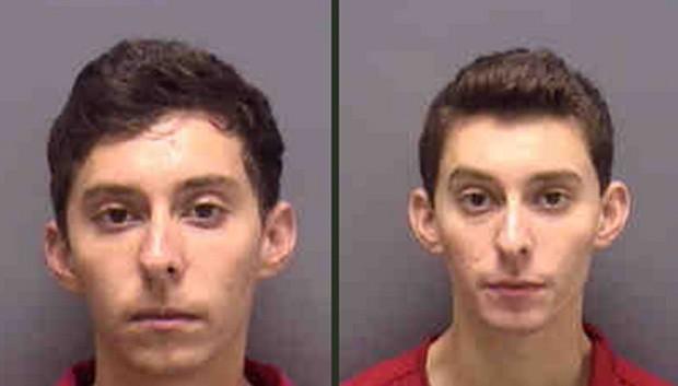 Jacob e Michael Ruehlman foram flagrados transportando os animais roubados no banco de trás do carro onde estavam (Foto: Divulgação/Lee County Sheriff's Office)